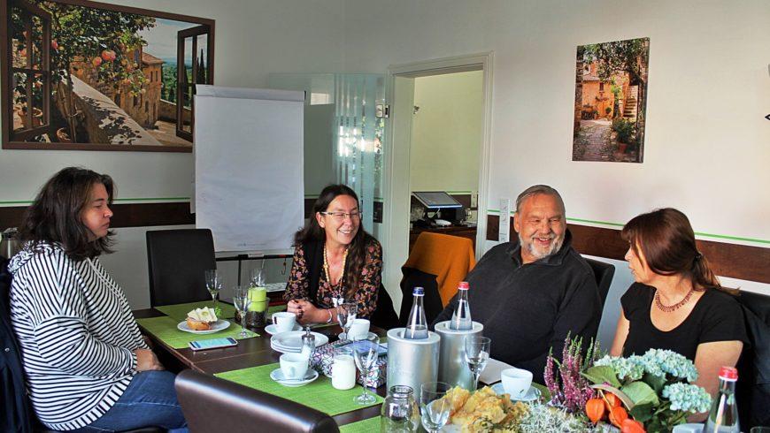 Nachbarschaftsgespräche in Kirchdorf